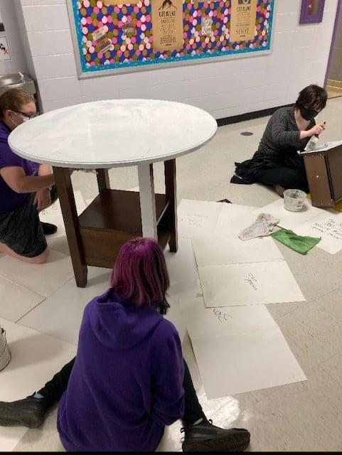 Art Seminar and JAG students collaborate to design a creative and relaxing space.